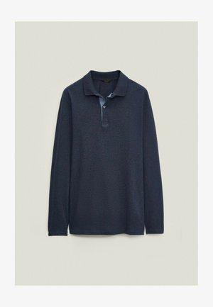 MIT STRUKTURMUSTER  - Polo shirt - blue-black denim