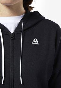 Reebok - TRAINING ESSENTIALS FULL ZIP SWEATSHIRT - Zip-up hoodie - black - 2