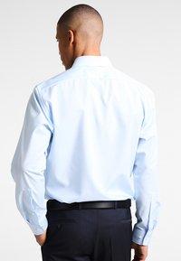 OLYMP Luxor - NEW KENT - Camicia elegante - hellblau - 2