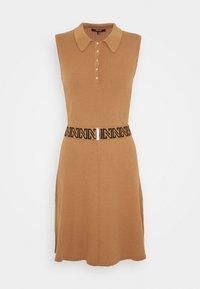 NIKKIE - PENNY DRESS - Pletené šaty - desert - 4
