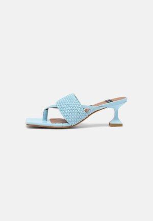 VEGAN - Pantofle na podpatku - cielo