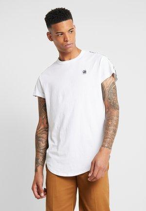 SWANDO ART RELAXED - Camiseta estampada - white
