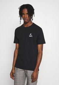 Junk De Luxe - SKETCH ARTWORK TEE - Print T-shirt - black - 2