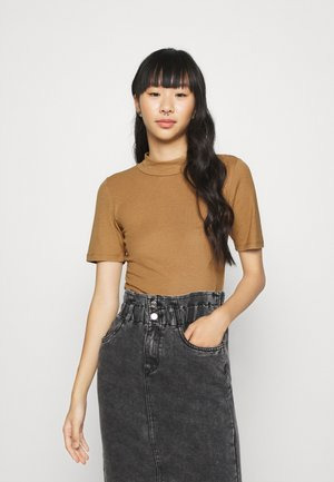 NMELENA SHORT SLEEVE - Print T-shirt - brown sugar