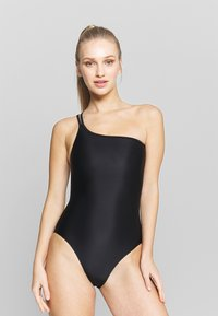 Filippa K - ASYMMETRIC SWIMSUIT - Swimsuit - black - 0