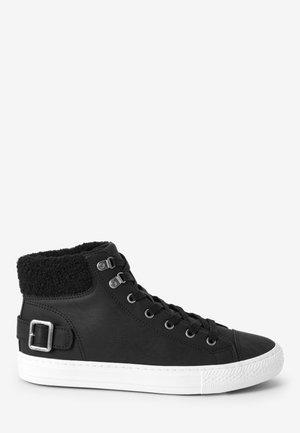 BORG COLLAR HIGH TOP TRAINERS - Sneakers hoog - black