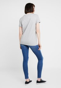 Tommy Jeans - COLLEGIATE LOGO TEE - Print T-shirt - light grey heather - 2