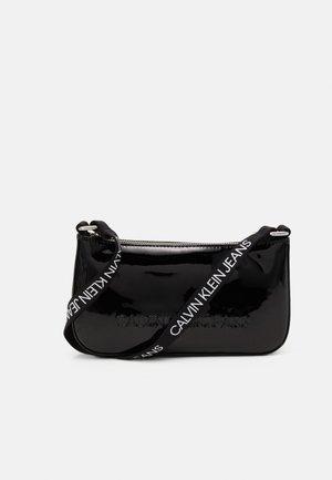 PROVOCATIVE SHOULDER BAG UNISEX - Sac bandoulière - black