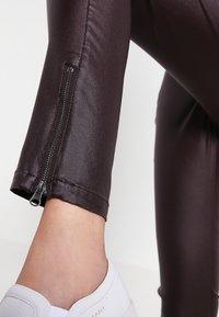 Cream - BELUS KATY - Leggings - Trousers - hot java - 4