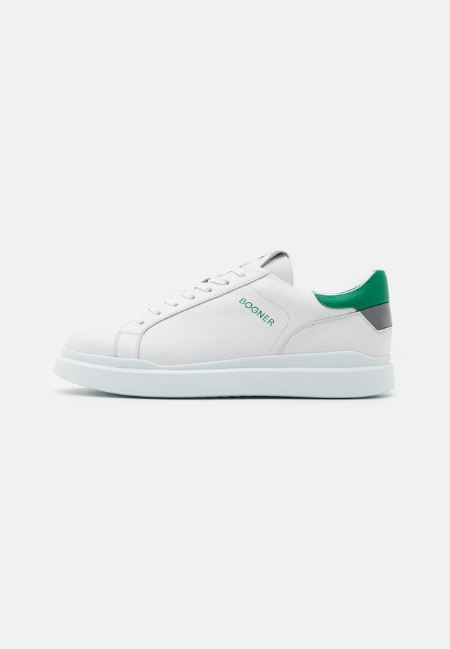 SARAJEVO  - Trainers - white/green