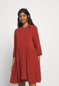 ONLY Petite - ONLCHICAGO LIFE DNMDRESS - Shirt dress - burnt henna - 0