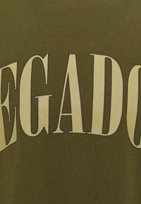 Pegador - CALI TEE UNISEX - Triko spotiskem - washed cactus - 2