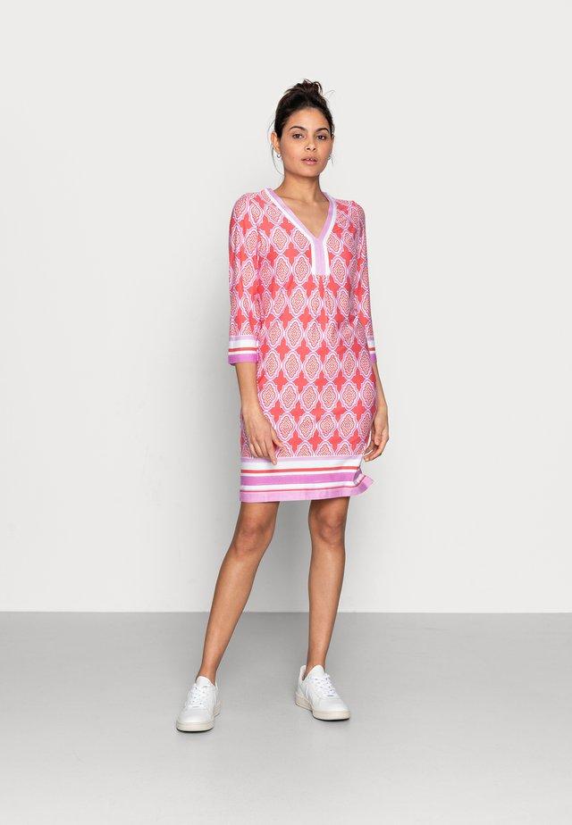 DRESS CABANA - Vestito di maglina - light pink