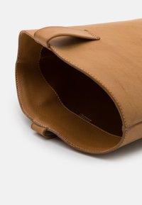 Monki - ROXY BOOT VEGAN - Cowboy/Biker boots - beige - 5