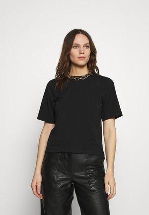 COLLYNS - Basic T-shirt - black