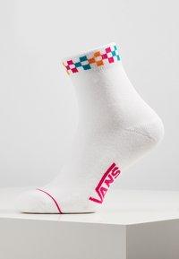 Vans - WM PEEK-A-CHECK C - Socks - cabaret - 1