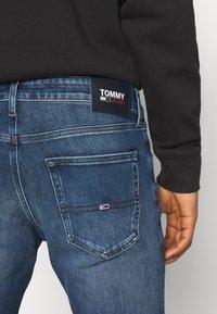 Tommy Jeans - SCANTON SLIM - Džíny Slim Fit - mid blue - 4