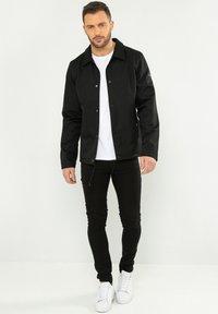 Threadbare - Light jacket - schwarz - 1