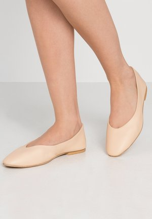 VMMELLA  - Ballet pumps - tan