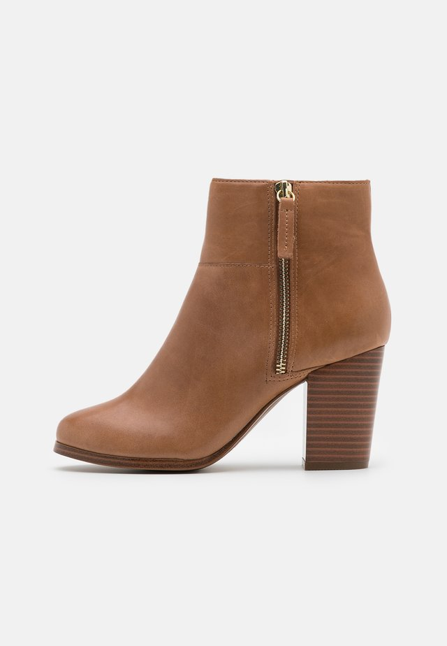 PRESPA - Ankle boots - beige