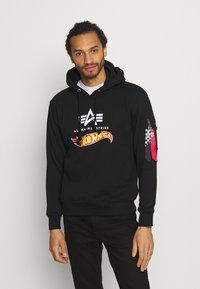 Alpha Industries - HOT WHEELS FLAG HOODY - Sweatshirt - black - 0