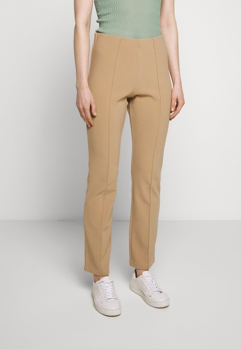 By Malene Birger - CHRISTAH - Trousers - tannin