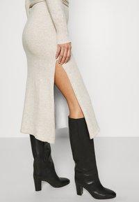 Who What Wear - TIE WAIST DRESS - Jumper dress - cream - 3