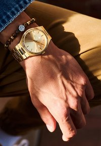 Sem Lewis - Watch - gold - 0