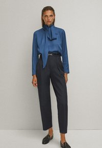 Massimo Dutti - WITH TIE DETAIL - Blouse - blue - 1