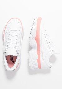 adidas Originals - KIELLOR - Sneakersy niskie - footwear white/glow pink - 3