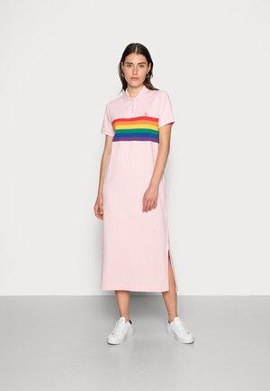 PRIDE RUGGER DRESS - Sukienka letnia - california pink
