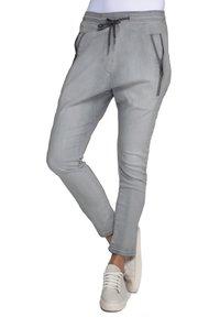 Zhrill - Tracksuit bottoms - light grey - 0