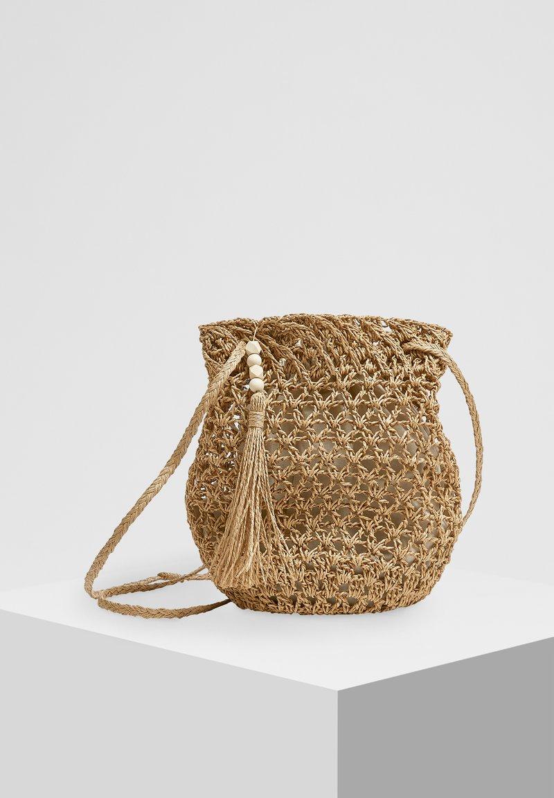 PULL&BEAR - Across body bag - sand