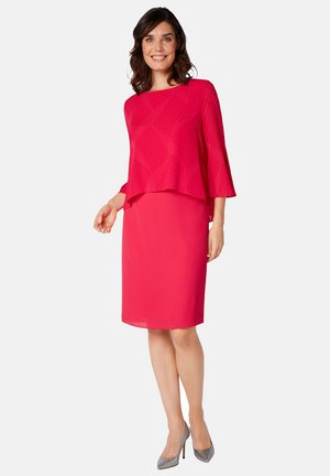 LUFTIGEM ÜBERWURF - Cocktail dress / Party dress - light red
