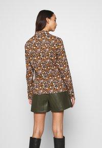 Scotch & Soda - SLIM FIT  - Button-down blouse - black/orange/lilac - 2