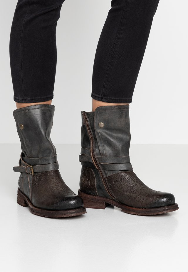 COOPER - Cowboy/biker ankle boot - targoff/zenia/flores tobacco