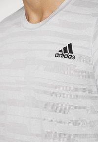 adidas Performance - T-Shirt print - medium grey - 5
