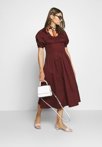 Who What Wear - WAIST DETAIL MIDI DRESS - Day dress - red - 1