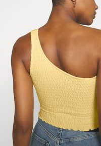 Hollister Co. - ONE SHOULDER  - Topper - yellow - 4