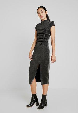 MORA BODYCON DRESS WITH HIGH NECK - Žerzejové šaty - black/silver