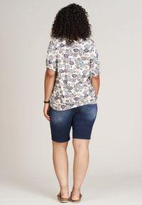 Studio - Print T-shirt - beige blue flowered - 2