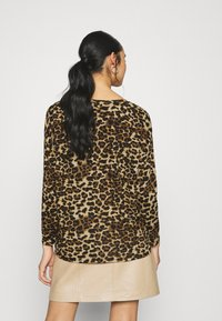 ONLY - ONLELCOS ANIMAL - Jumper - camel - 2