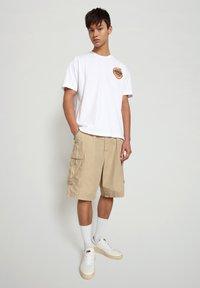 Napapijri - S-ALHOA - T-shirt med print - white graph m - 1