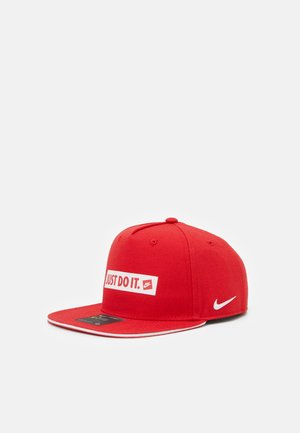 TRUE - Casquette - university red