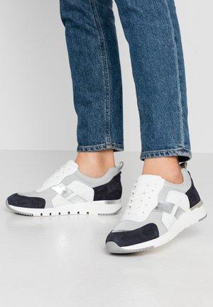 Sneakers laag - ocean/white