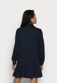 VILA PETITE - VIMOROSE SHIRT DRESS - Vestido camisero - navy blazer - 2