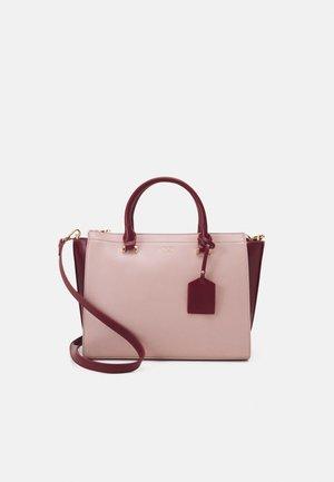 HANDBAG - Håndveske - pink/bordo
