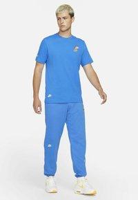 Nike Sportswear - T-shirts print - signal blue - 1