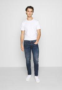Minimum - LUKA  - Jednoduché triko - white - 1