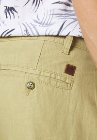 INDICODE JEANS - LASSO - Pantaloni cargo - khaki - 4